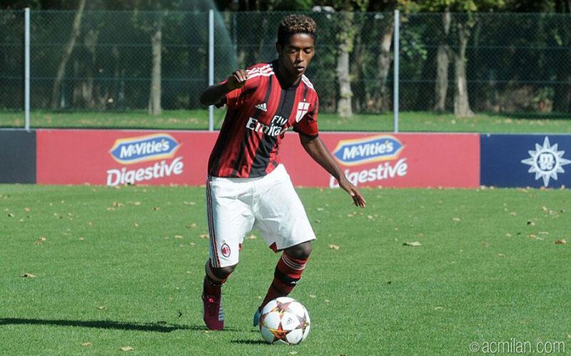 خودکشی فوتبالیست سیاهپوست در ایتالیا |