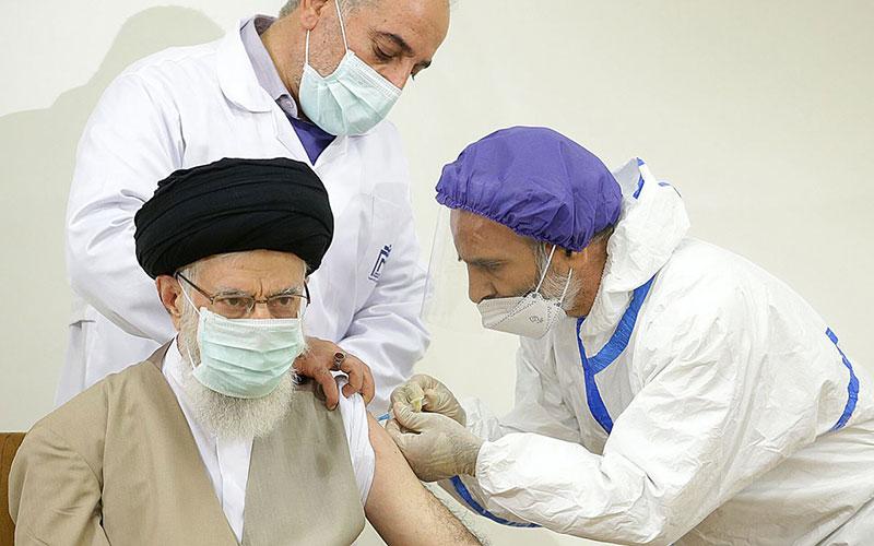 رهبر انقلاب امروز دُز اول واکسن برکت را دریافت کردند