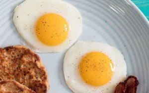 زرده تخم مرغ را به این دلایل حتما مصرف کنید