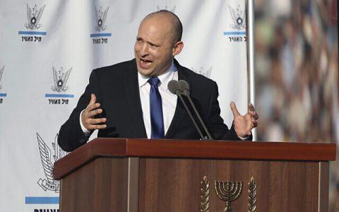 نخست وزیر اسرائیل برخلاف نتانیاهو، در مورد برنامه هستهای ایران با آمریکا همکاری می کنیم