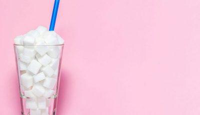۴ علامت که نشان میدهد بیش از حد قند مصرف میکنید