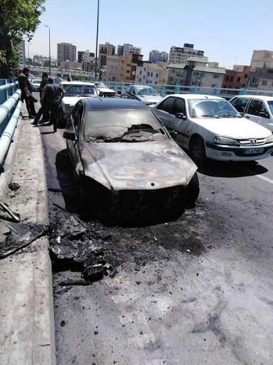 آتشسوزی بنز روی پل ارتش/ تصاویر
