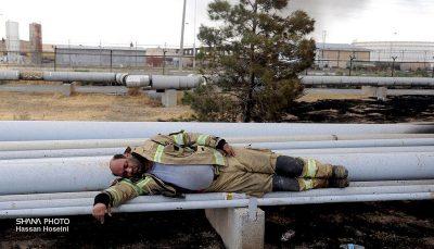 گم شدن فداکاری آتش نشانان تهرانی در هیاهوی انتخاباتی/ قهرمانانی که از جان خود می گذرند تا جان ما در امان بماند