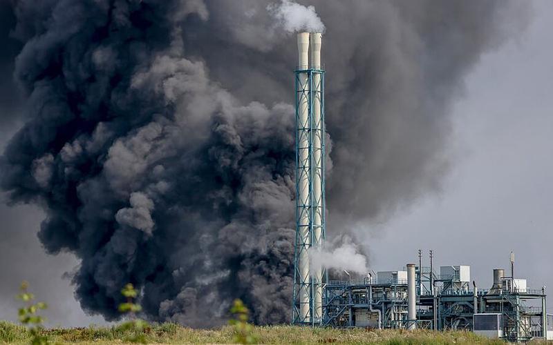 اعلام وضعیت هشدار قرمز پس از انفجار در پارک شیمیایی آلمان