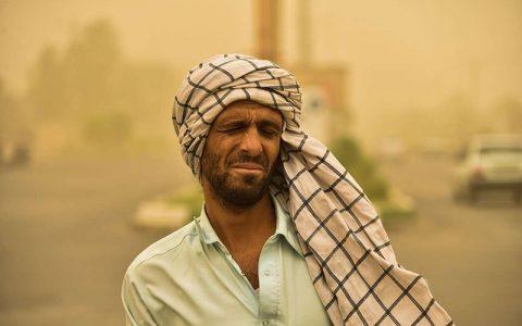توفان ۲۶۱ نفر را در منطقه سیستان روانه بیمارستان کرد