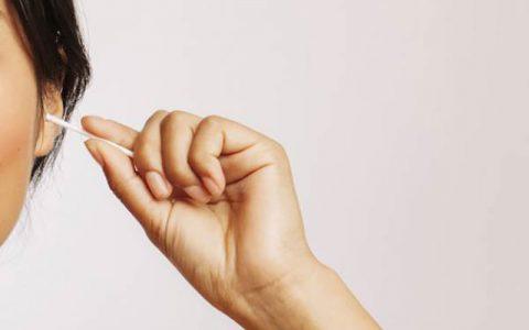 روش تمیز کردن جرم گوش بدون آسیب رساندن