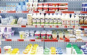 افزایش قیمت شیرخام و حذف محصولات لبنی از سبد خانوار/ آیا تغذیه خانوادههای کم درآمد بی کیفیتتر خواهد شد؟