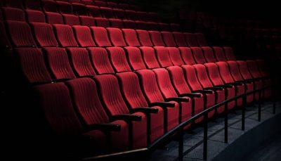 وضعیت قرمز تهران، تئاتر را تعطیل کرد