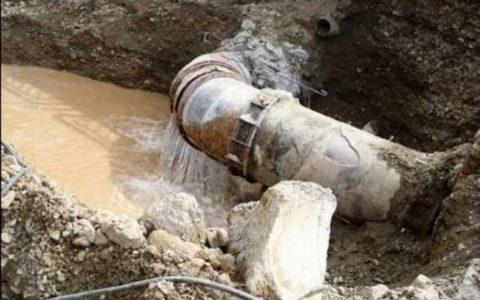 وقوع حادثه در خطوط انتقال آب به اصفهان