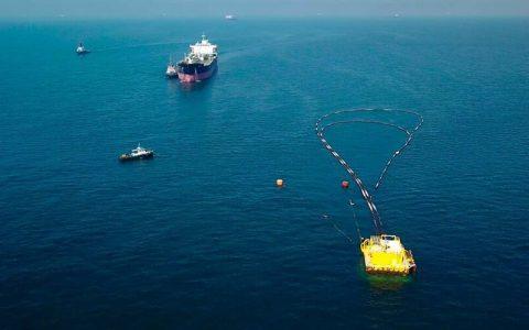 پایانه نفتی جاسک، خارگ را از مدار خارج می کند؟