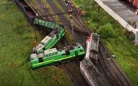 ۲۵ مجروح بر اثر برخورد ۲ قطار در بوستون آمریکا