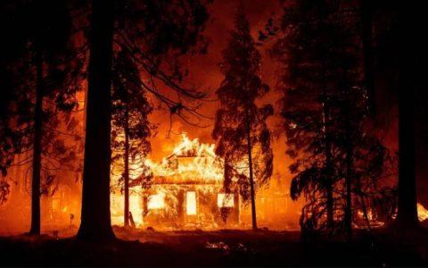 بزرگترین آتش سوزی در کالیفرنیا