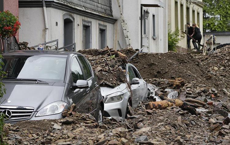 ۹۰ کشته و صدها ناپدید در سیل ویرانگر و مرگبار آلمان و بلژیک/ تصاویر