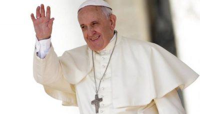 پاپ فرانسیس رهبر کاتولیکهای جهان بستری شد