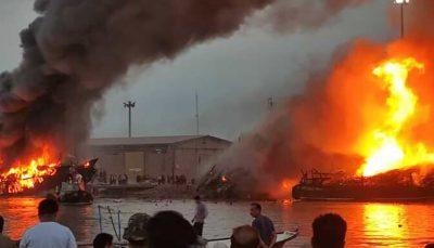 آتش سوزی مشکوک ۵ شناور در بندرگناوه