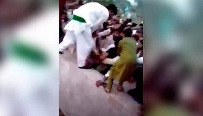 حمله 400 مرد به دختر اینفلوئنسر در پاکستان