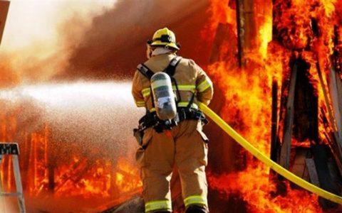 مصدومیت ۱۰ کارگر و یک آتشنشان در حادثه آتشسوزی شرکت «نیرو کلر»