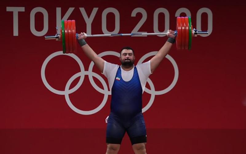 علی داودی مدال نقره وزنه برداری را به دست آورد