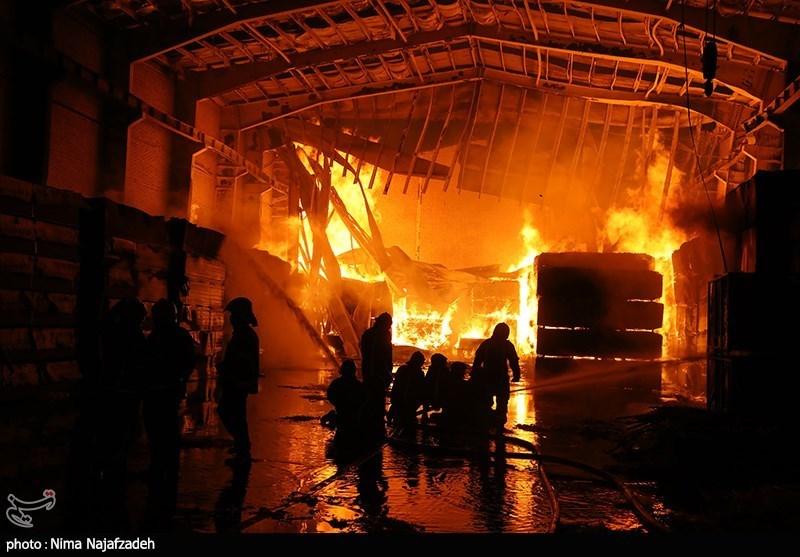 آتش سوزی مهیب در انبار چوب - مشهد