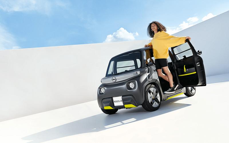 اوپل از خودرو کوچک شهری الکتریکی Rocks-e رونمایی کرد