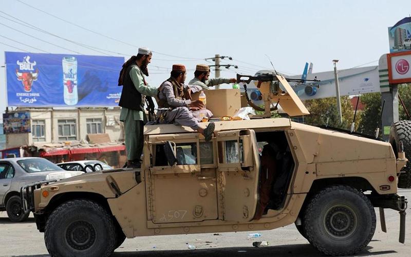 سلاح های پیشرفته آمریکایی در دست طالبان/ عکس