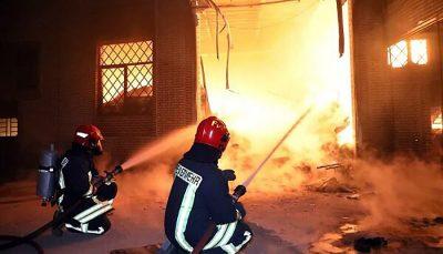 آتشسوزی در یک ساختمان قدیمی در تهران