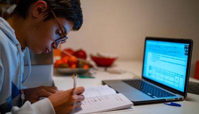 آموزش و پرورش: سال تحصیلی «مجازی» آغاز میشود