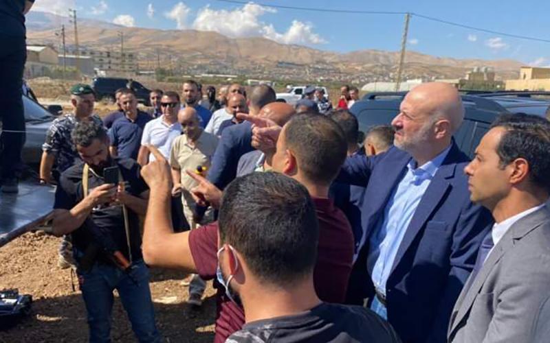 بازدید وزیر کشور لبنان از محموله ۲۰ تنی توقیف شده نیترات آمونیوم