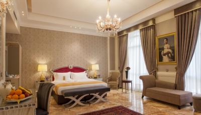 هزینه یک شب اقامت در هتل 5 برابر حقوق ماهیانه یک کارگر