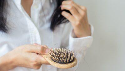 ۷ ماده غذایی موثر در جلوگیری از ریزش مو و رشد مجدد موها