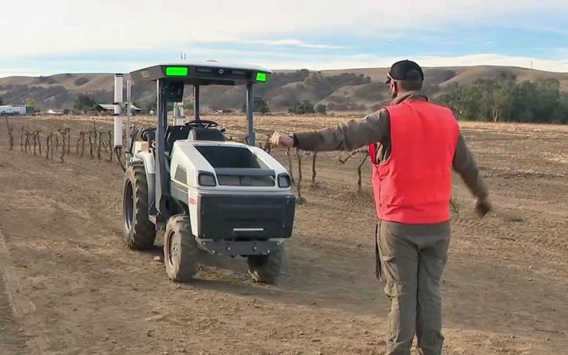 تراکتور مونارک؛ تعریفی متفاوت از فناوری در صنعت کشاورزی! /فیلم و عکس