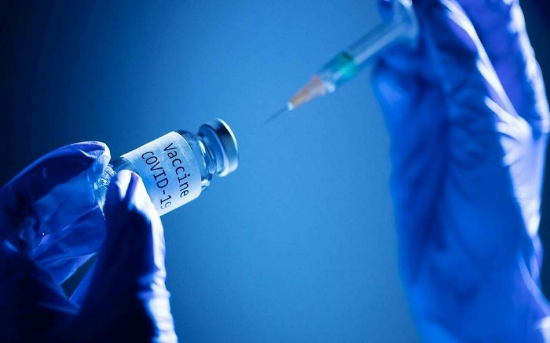 آمادگی وزارت بهداشت برای واکسینه کردن دانشجویان و خانوادههایشان