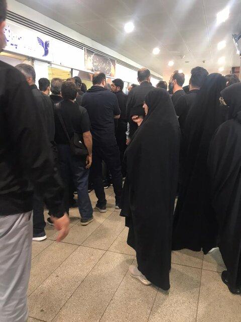 سرگردانی زائران در فرودگاه بدون عذرخواهی و جبران خسارت/ عکس