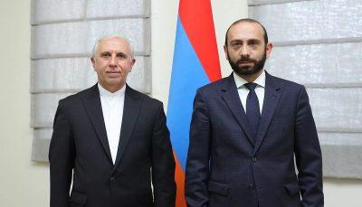دیدار سفیر ایران با وزیرخارجه ارمنستان
