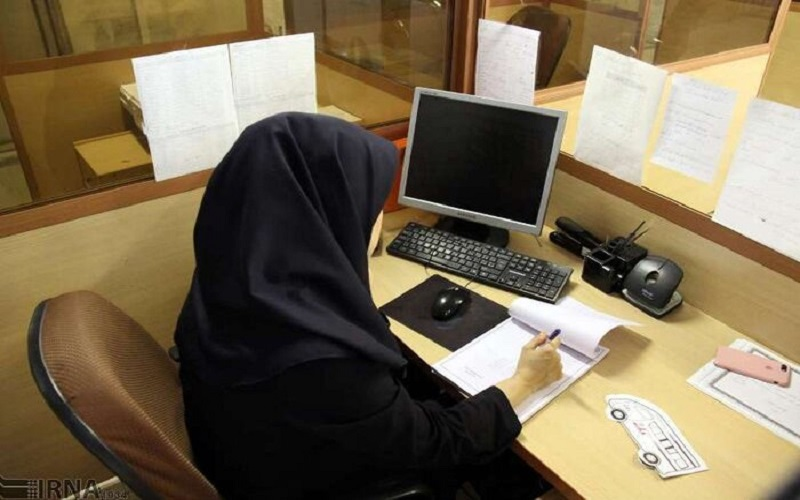 زنان شاغل می توانند با ۴۲ سال سن و ۲۰ سال سابقه درخواست بازنشستگی کنند