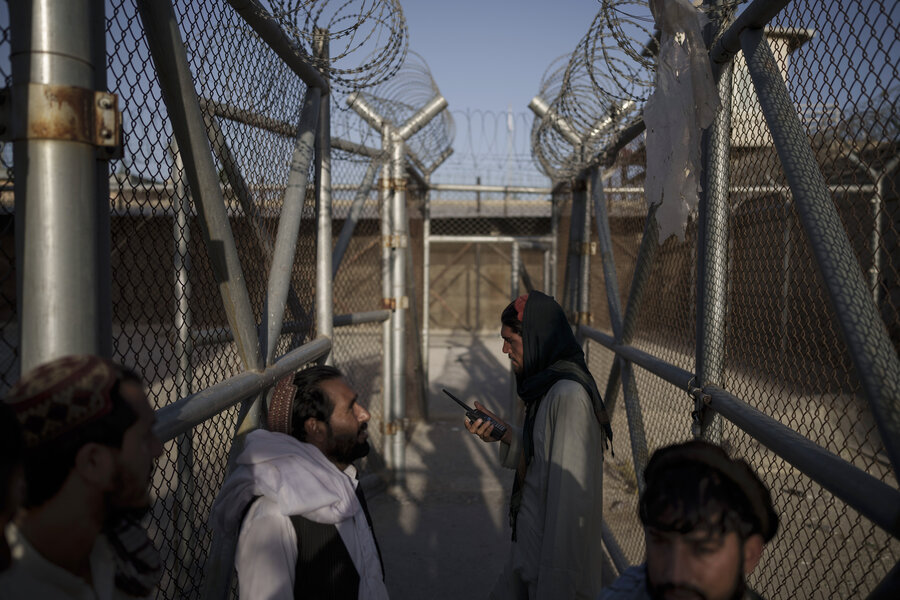 بازگشت نیروهای طالبان به زندان پل چرخی/تصاویر