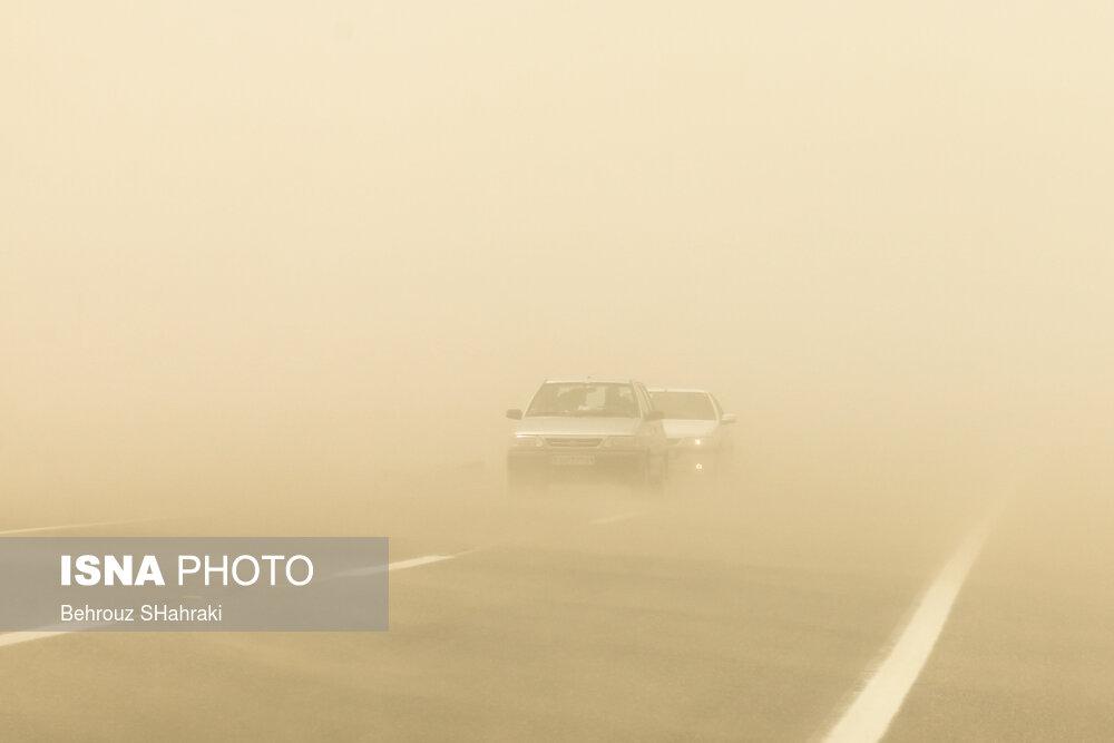 طوفان با سرعت ۱۲۲ کیلومتر در زابل
