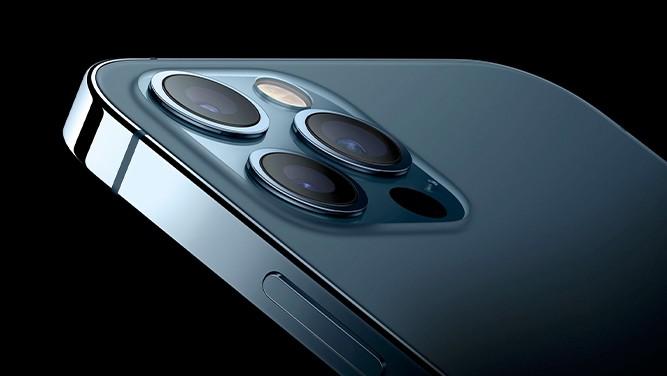 اپل به کاربران هشدار داد هنگام موتورسواری فیلمبرداری نکنند
