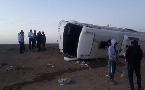 واژگونی اتوبوس در جاده مشهد