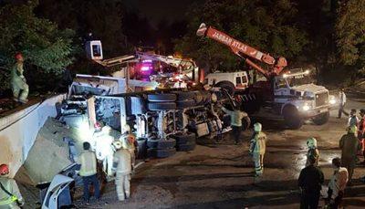 ۳ کشته در تصادف ۲ کامیون در ولنجک