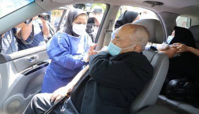 افتتاح بزرگ ترین مرکز واکسیناسیون خودرویی در تهران
